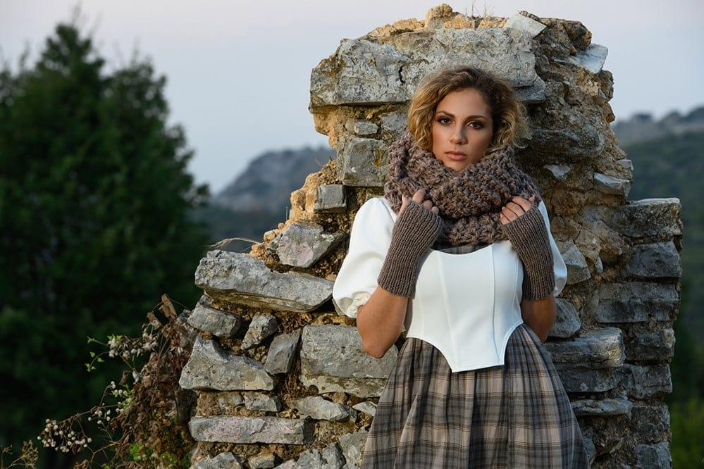 Outlander-Claire's-cowl