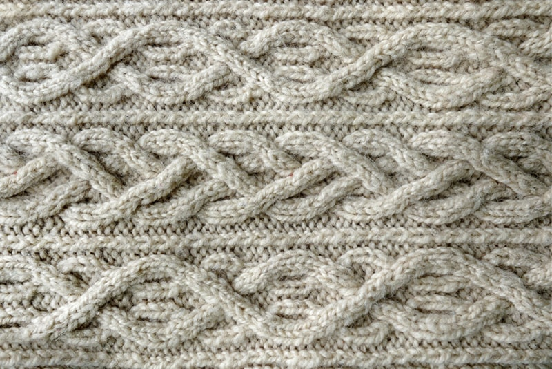 Complex cable stitch pattern