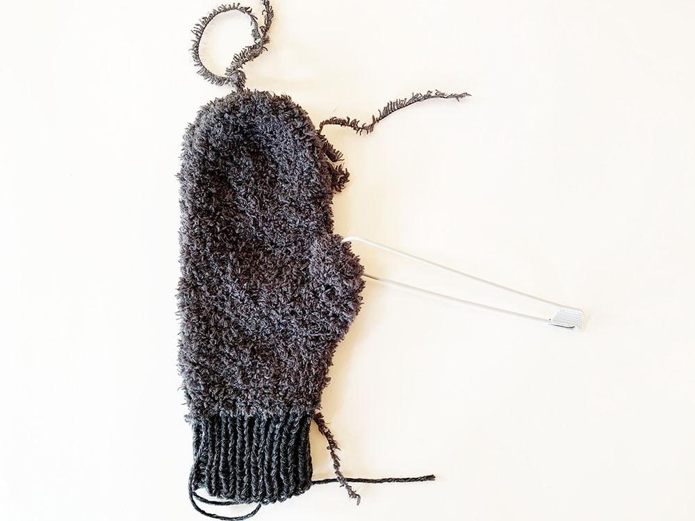 Fuzzy mittens step 5.5