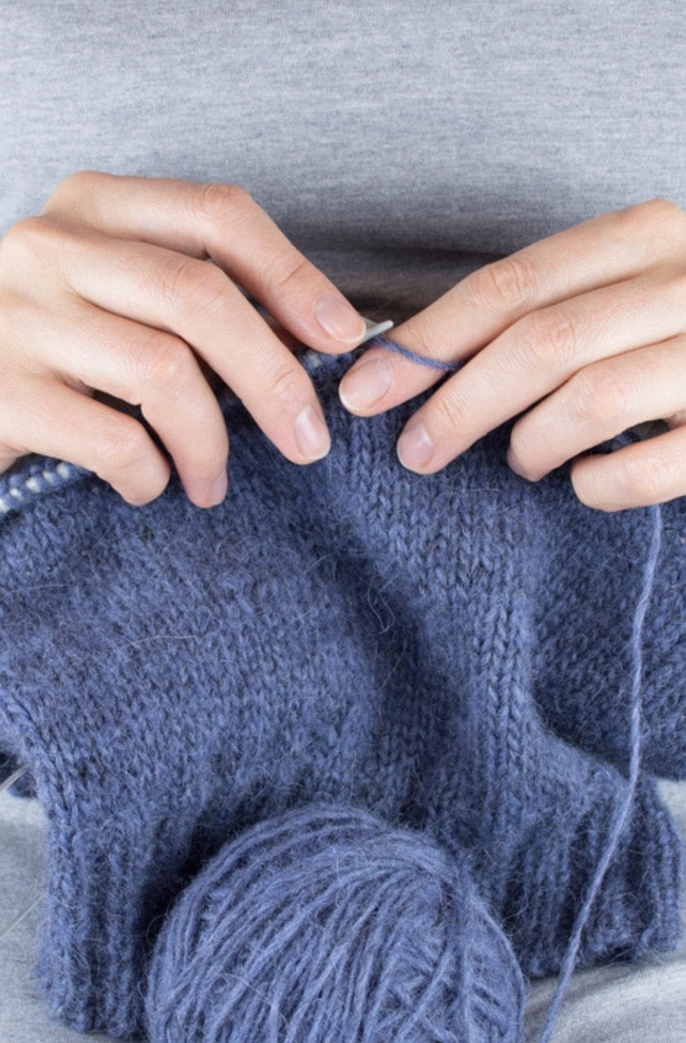 How To Knit In The Round | Handy Little Me Knittingintheround - Knitting Tutorial