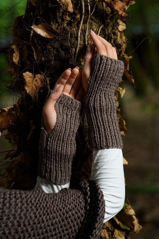 Outlander Claire brown gloves