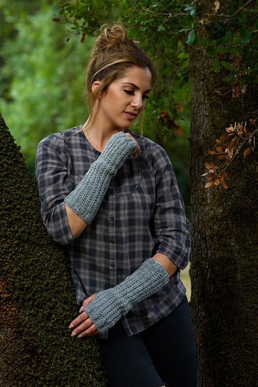 knitted-fingerless-gloves