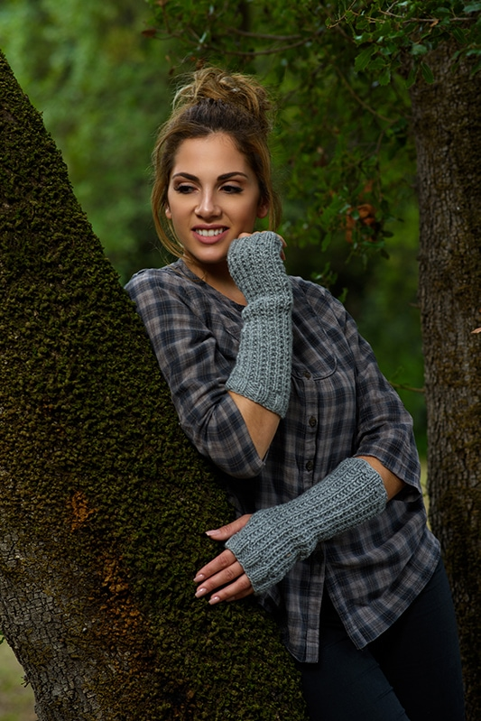 grey fingerless gloves like Claire from Outlander