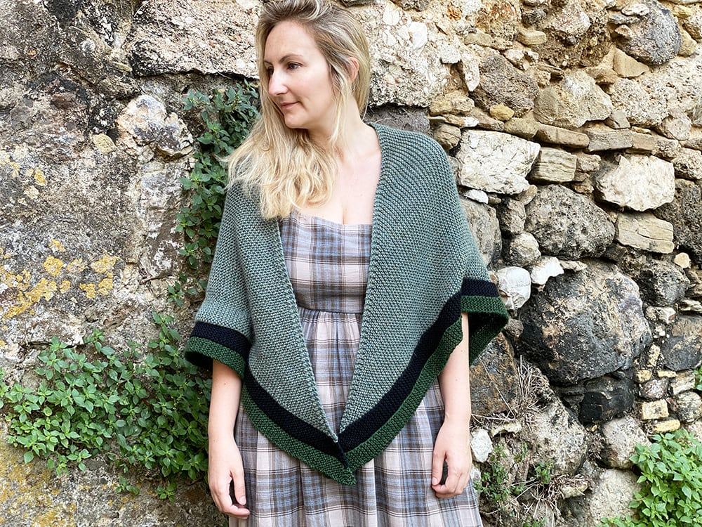 Claire rent shawl