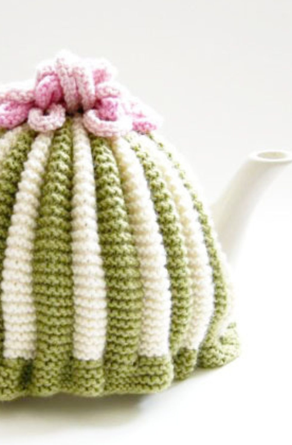 Retro tea cosy pattern