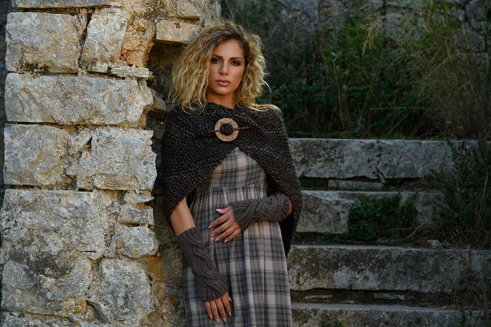 Outlander Claire Tassel shawl from season 1
