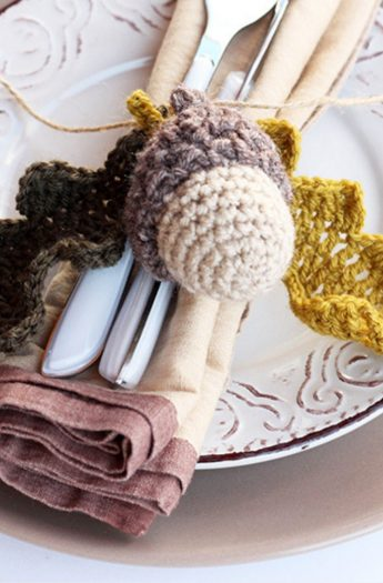 Leaf Crochet Pattern With Acorns