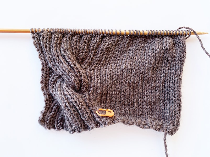 right cable knit wrist warmer