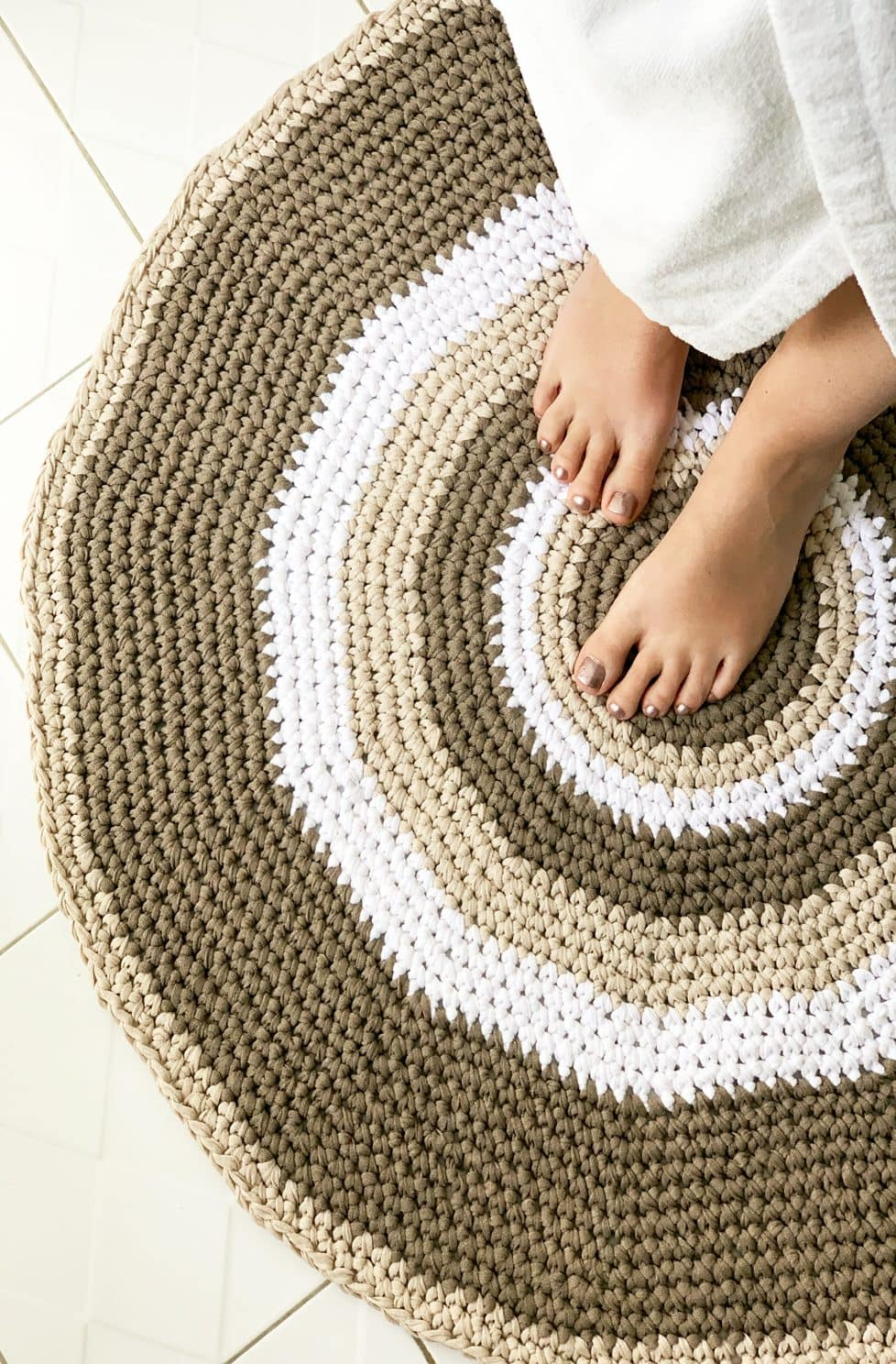 How To Crochet A Circular Rug