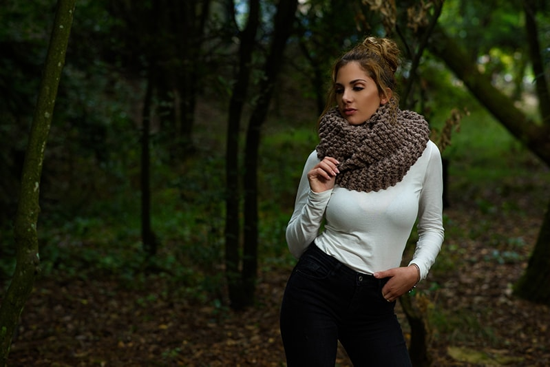 outlander-cowl-knitted