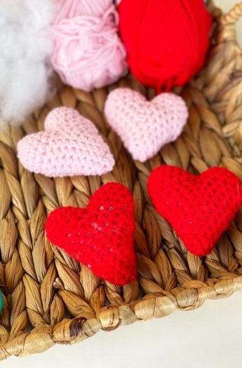 Crochet Heart Pattern {Easy Amigurumi}