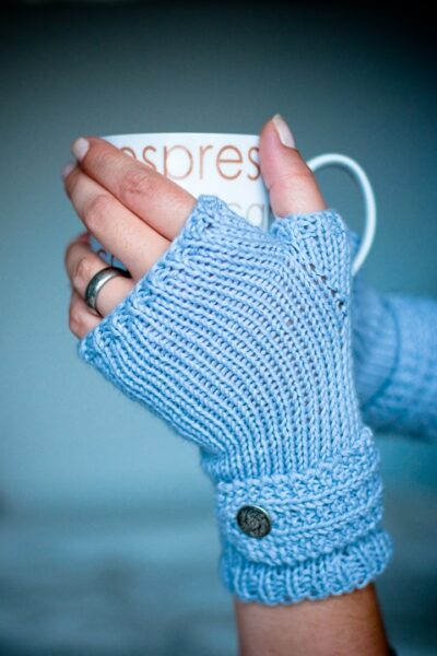 Free Knitting Pattern – 'Fable' Mitts
