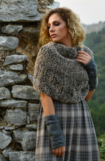 Faux Fur Scarf Pattern {Easy + Quick Knit}
