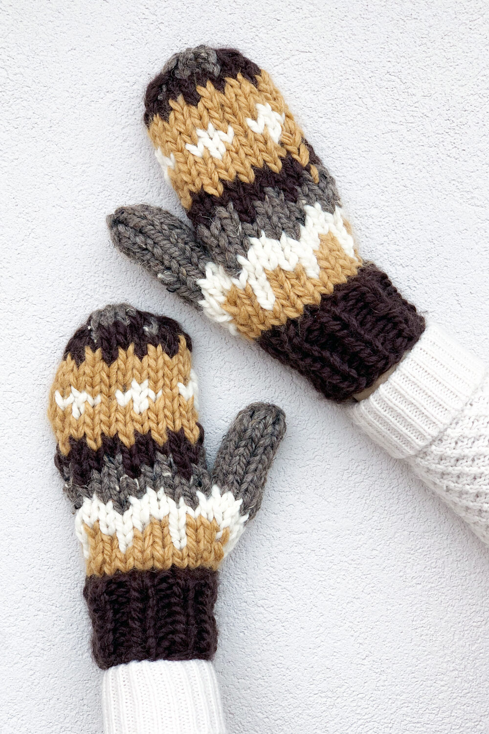 Knitted mittens featured image