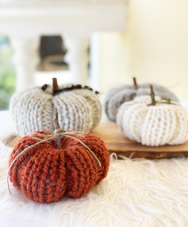 knitted pumpkin display