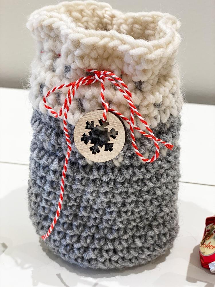 Christmas Crochet gift bag in grey and white yarn