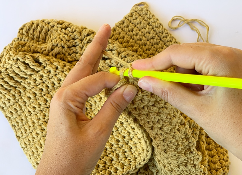holding the crochet hook like a knife right handed