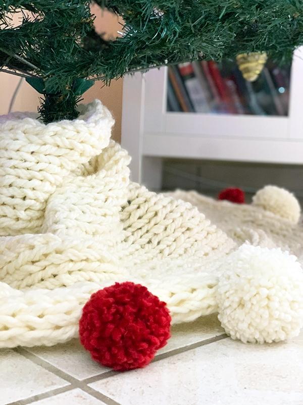 knitted Christmas tree skirt
