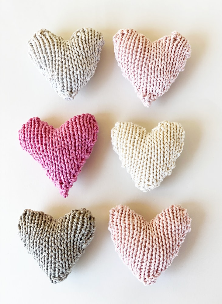 knitted hearts for NHS