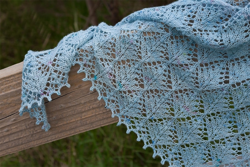 shawl with a picot edge