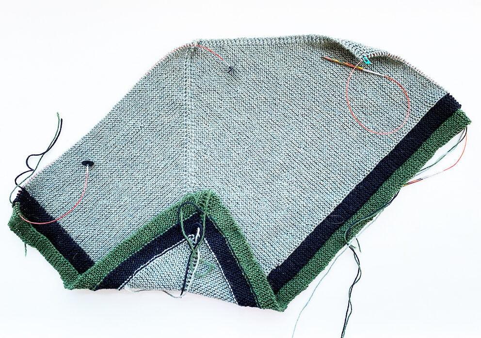 rent shawl on the needles 4