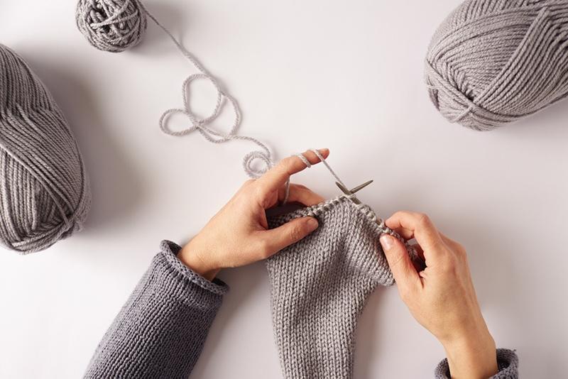 hands knitting stockinette stitch