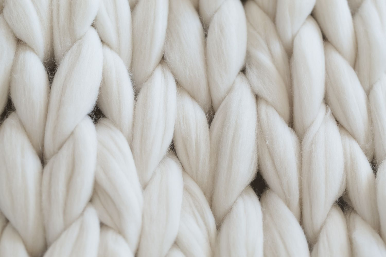 wool roving jumbo weight yarn white