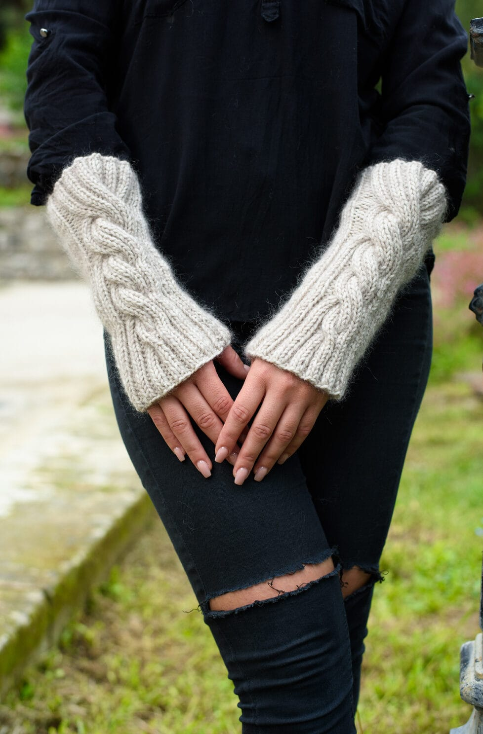 Cable Knit Arm Warmers {Outlander Patterns}