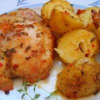 Fırında taze patates eşliğinde tavuk