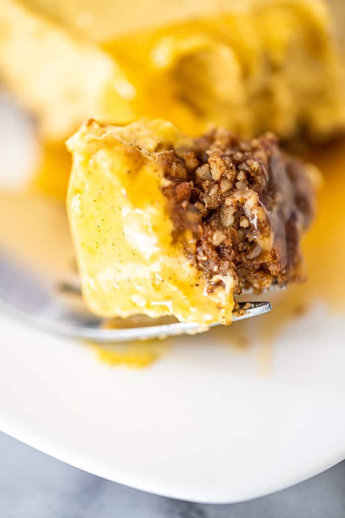 Nut pie crust with caramel pumpkin cheesecake