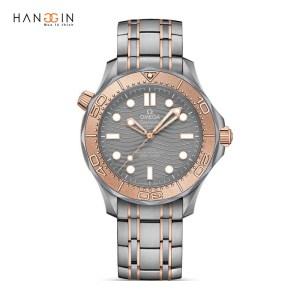 Đồng hồ Omega Seamaster Diver 42mm, Titanium và Sedna Gold1