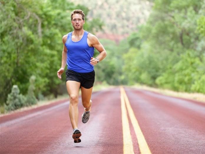 Luyện tập thể thao thường xuyên giúp tăng cường khả năng có con ở nam giới bị yếu sinh lý