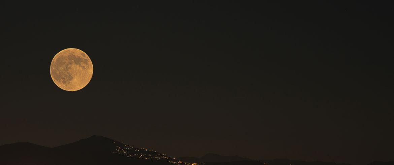 Ολική έκλειψη Σελήνης και υπερπανσέληνος, ορατές στην Ελλάδα!