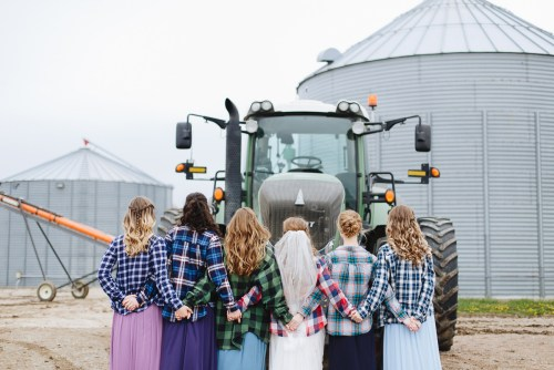 wedding party photos with a tractor, iowa wedding, fendt
