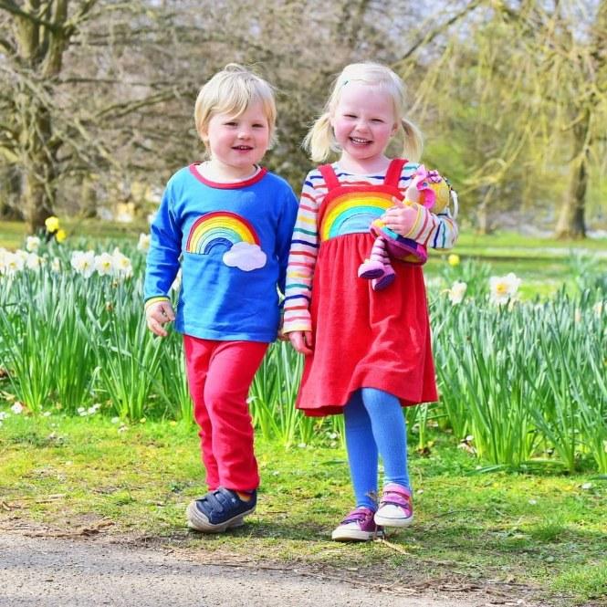 dressing kids in rainbows