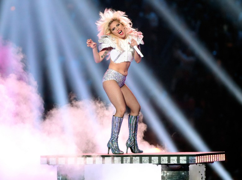 Lady gaga superbowl half time body shaming