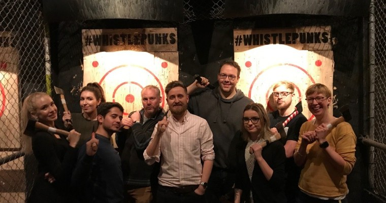 Throwing axes not shade with Buckt