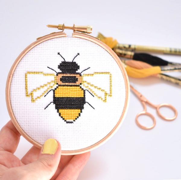 bee-cross-stitch-hoop-up