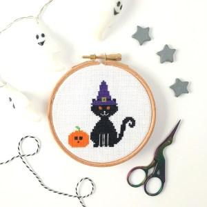 halloween-cat-cross-stitch-hoop