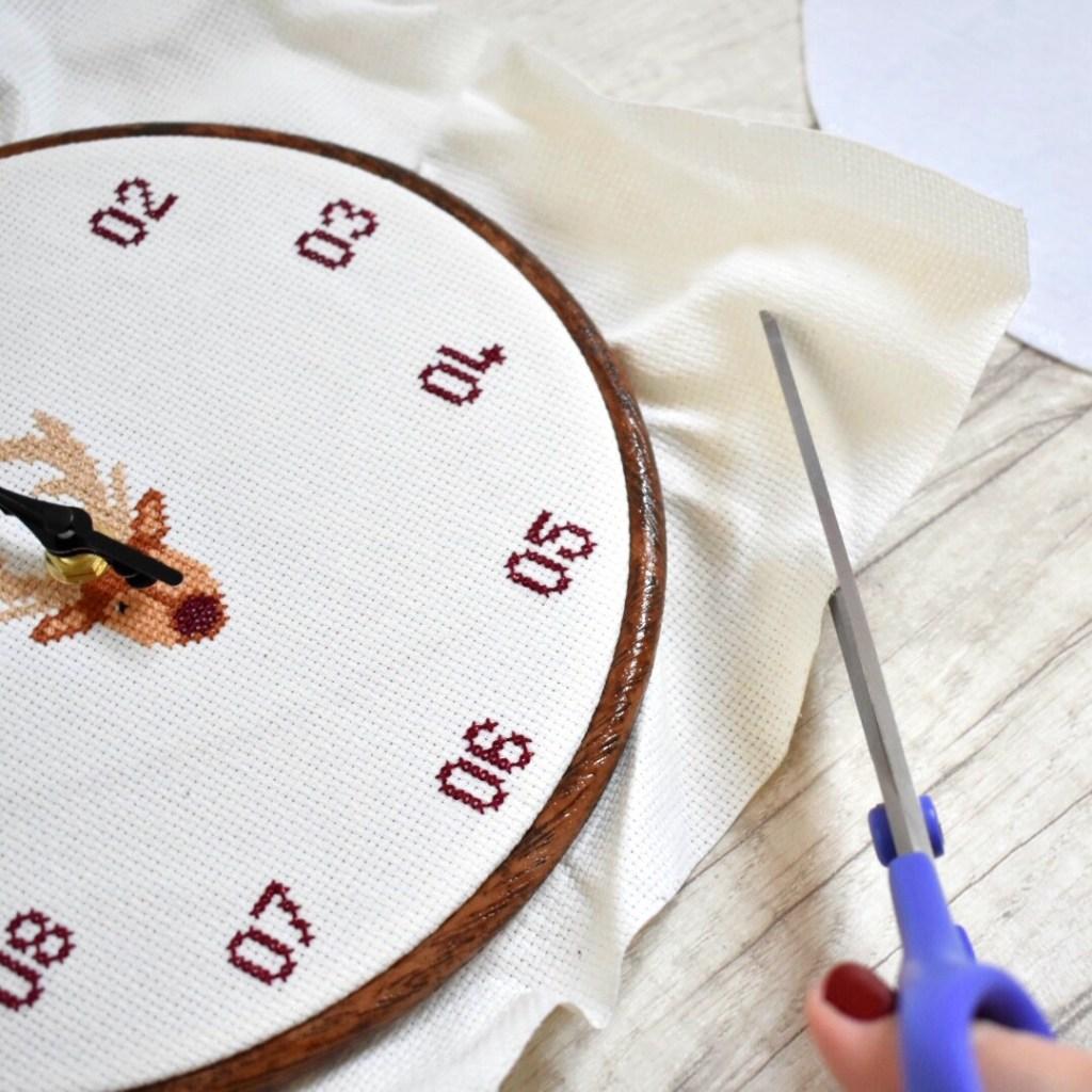 cross-stitch-clock-tutorial-cut-out-aida