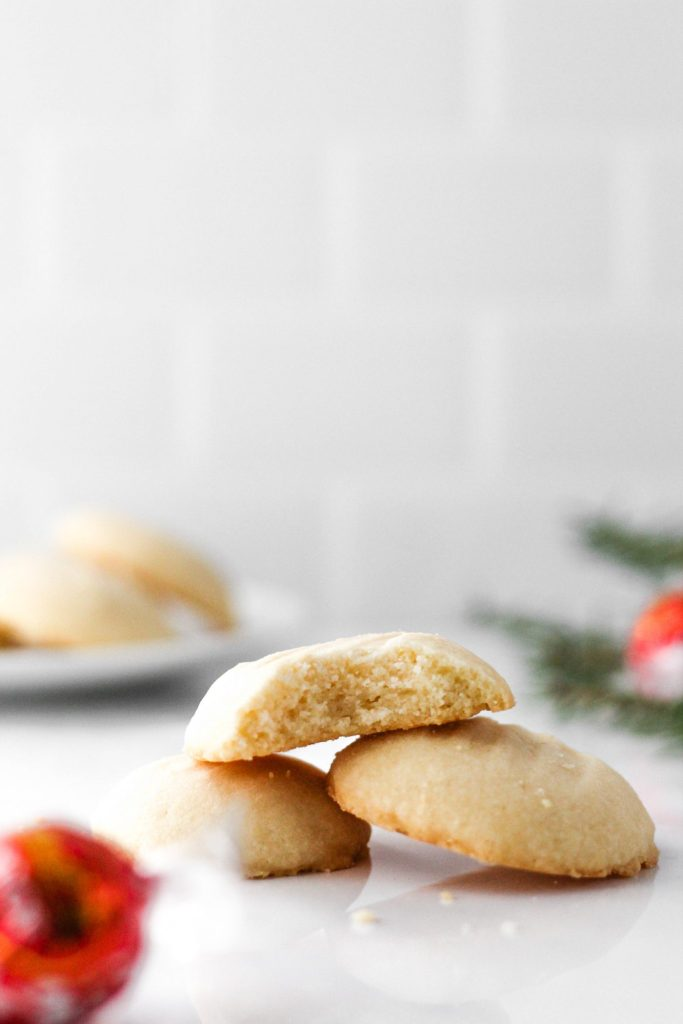 These Gluten Free Shortbread Cookies are so soft and buttery that they melt in your mouth. They're simple to make and the result is so delicious!