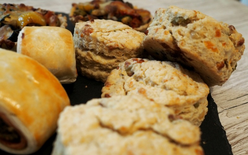 great british bake off final cheese and olive scones