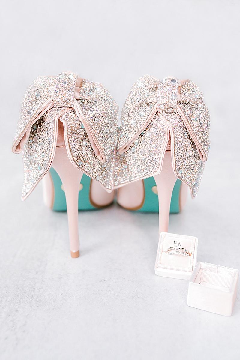 Hannah Way Photography, luxury wedding, luxury wedding photographer, dfw wedding photographer, bridal shoes, betsey Johnson bridal shoes