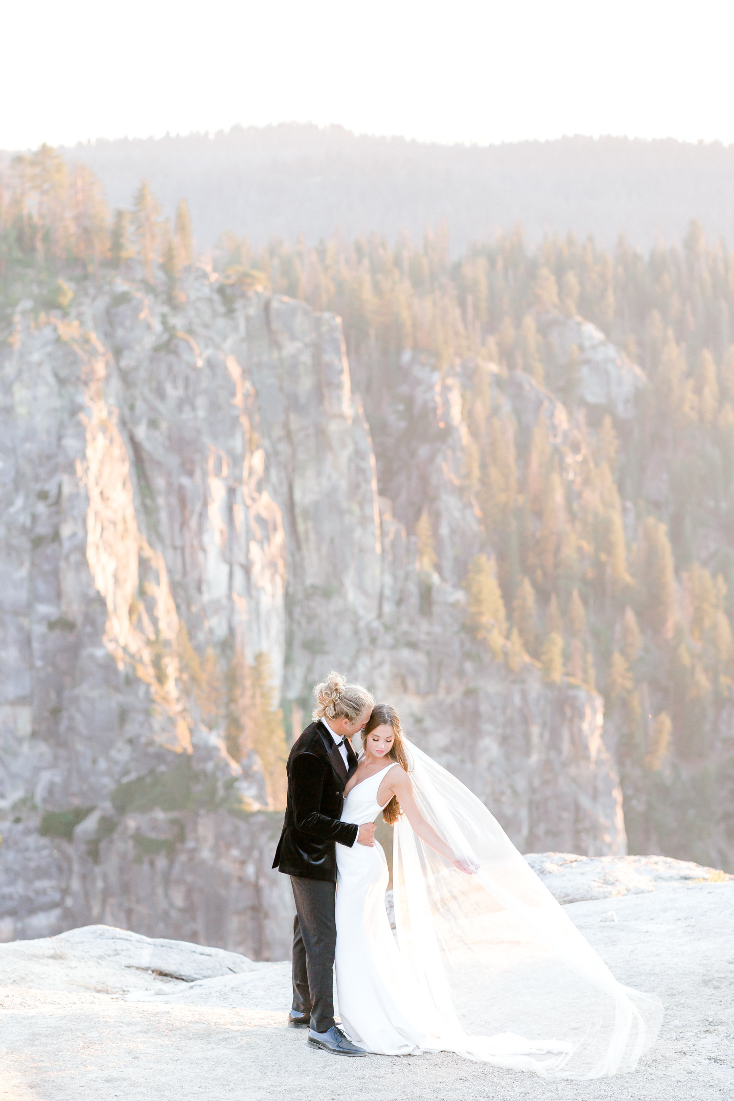 Hannah Way Photography - Dallas wedding photographer - luxury weddings - luxury wedding photographer - dfw wedding photographer - best wedding photographer - Dallas best wedding photographer - elopement - elopement wedding photographer - elopement Wedding - Yosemite - Yosemite elopement - Yosemite elopement photographer - destination wedding photographer - taft point - taft point Yosemite