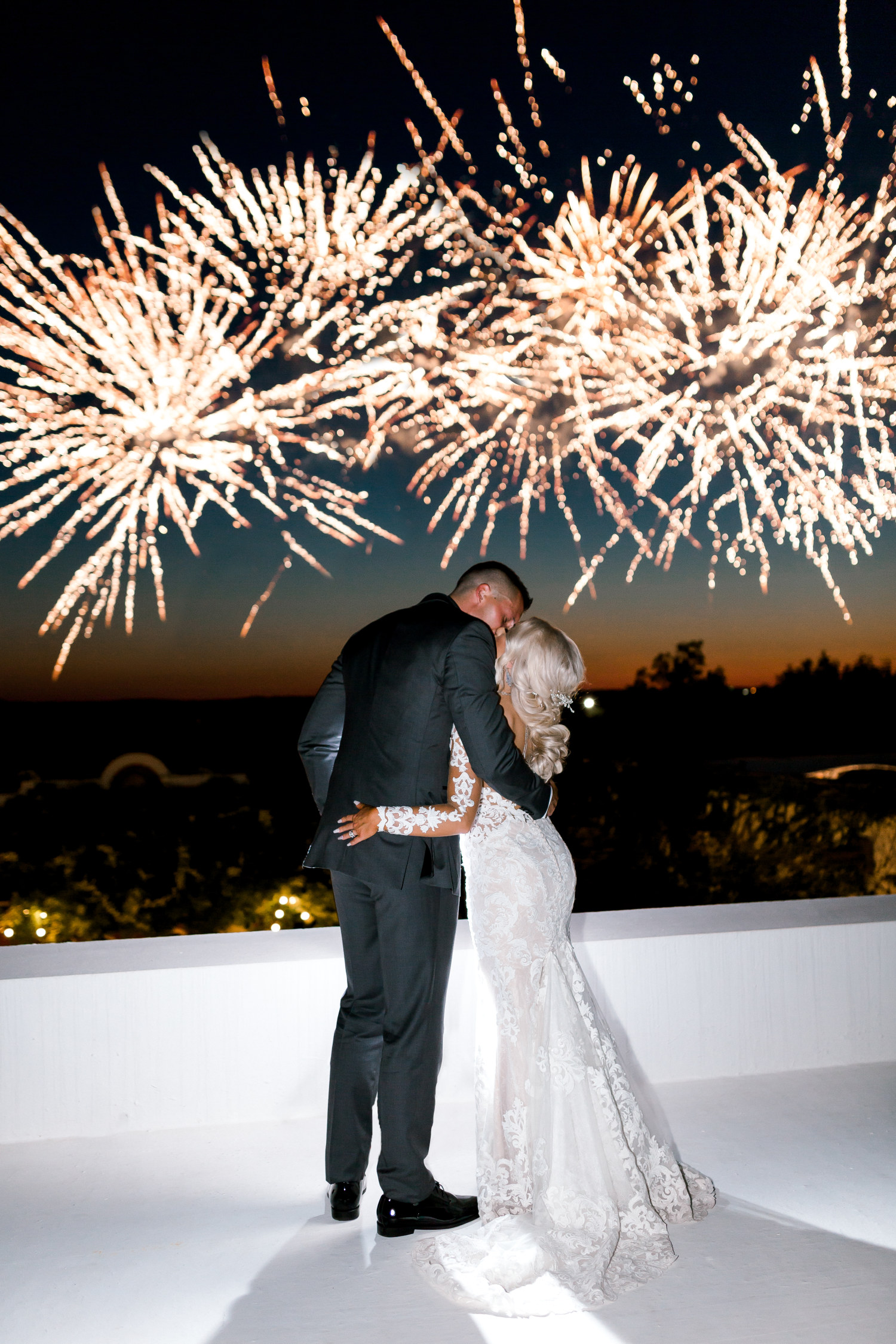 Hannah Way Photography - Dallas wedding photographer - luxury weddings - luxury wedding photographer - dfw wedding photographer - best wedding photographer - Dallas best wedding photographer - Stoney ridge villa - fireworks - grand exit - fireworks grand exit - prestotechnics