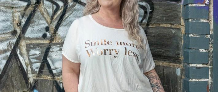 Smile more, worry less. Zoey:n kevät vaatteet kurvikkaille. Nyt sohva shoppailemaan!