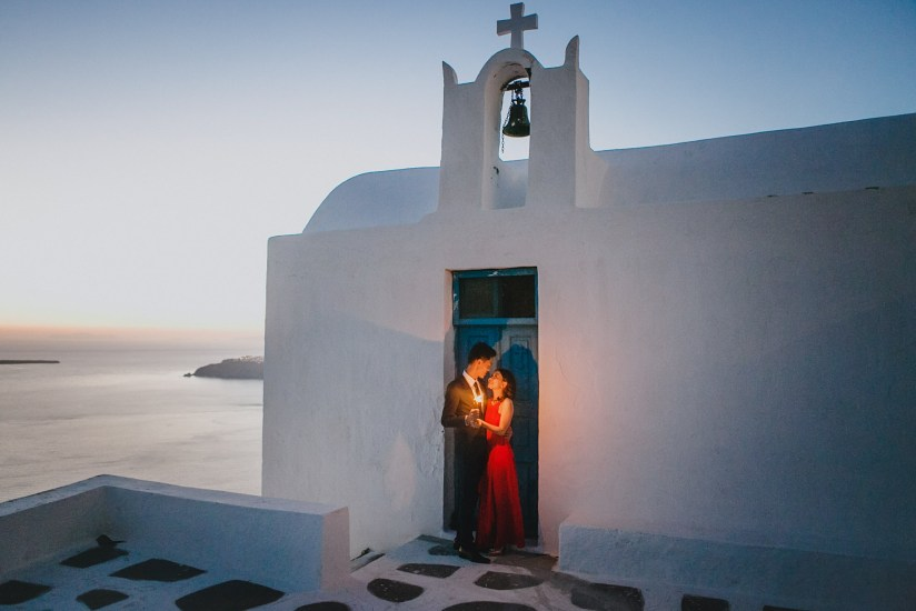red sunset elopement in Santorini