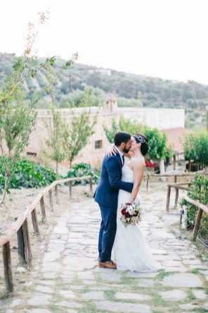 elegant farm wedding in Crete