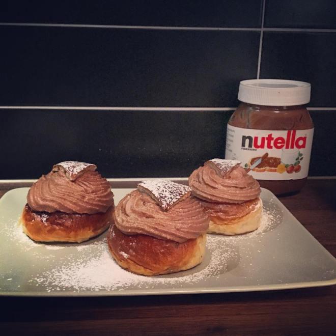 Beställnings semlor! Glöm inte bort att det är Nutelladagen imorgon och fettisdagen på tisdag ?? Smak: pistage och mandelmassa med nutellagrädde