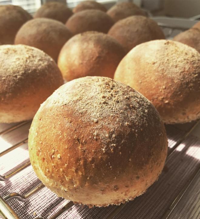 Finns inget bättre än nybakat bröd